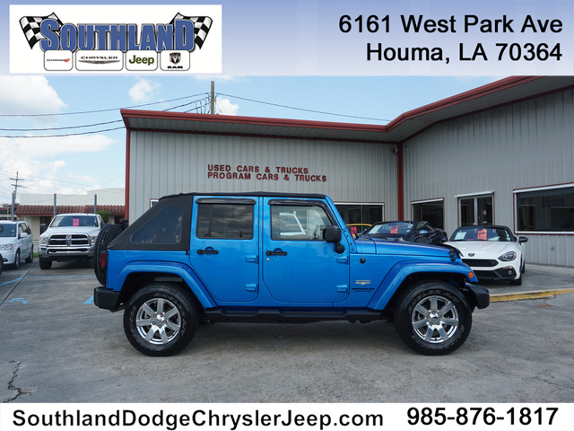 Pre Owned 2015 Jeep Wrangler Unlimited Unlimited Sahara 4WD