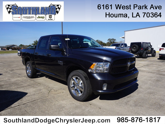 New 2019 RAM 1500 Classic Express 4WD 5ft7 Box