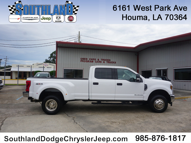 Pre-Owned 2019 Ford F-350 XLT SD 4WD 8ft Box DRW