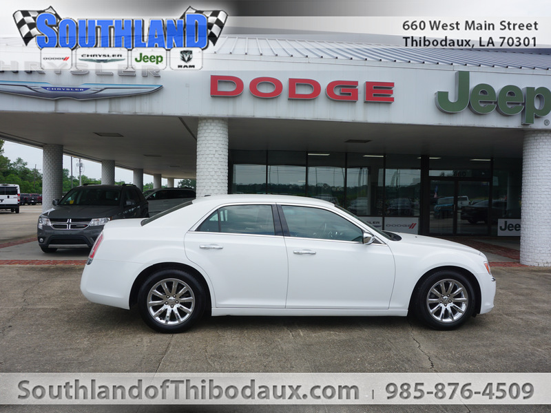 Pre-Owned 2013 Chrysler 300 300C RWD