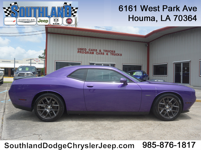 Pre-Owned 2016 Dodge Challenger R/T Plus Shaker