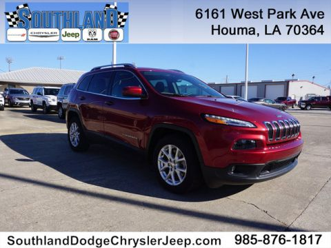 Pre-Owned 2017 Jeep Cherokee Latitude 2WD