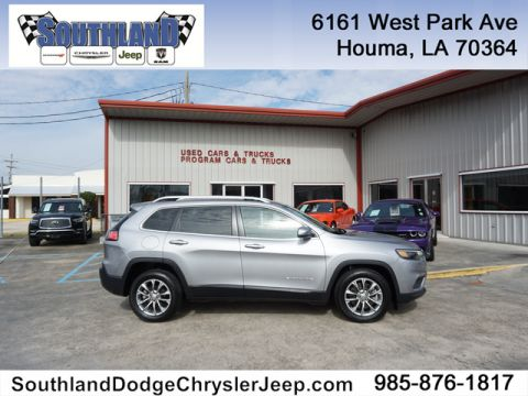 Pre-Owned 2019 Jeep Cherokee Latitude Plus FWD
