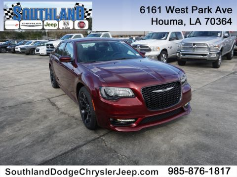 New 2019 CHRYSLER 300 S RWD