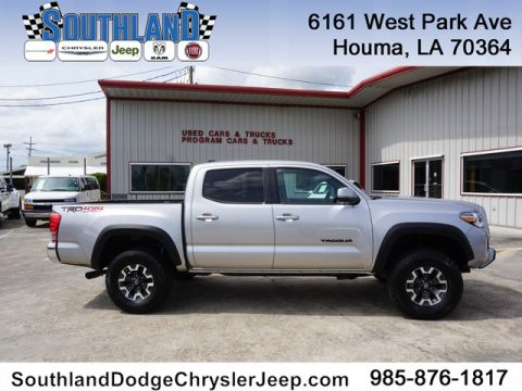 Pre-Owned 2017 Toyota Tacoma TRD Off Road 4WD